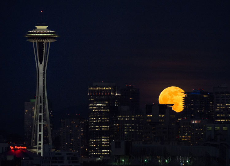 Moonrise over Seattle 2013